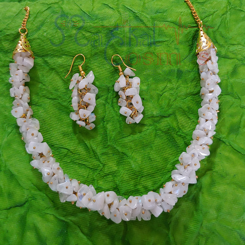 White Rainbow Moonstone Chips Set (Necklace + Earrings)